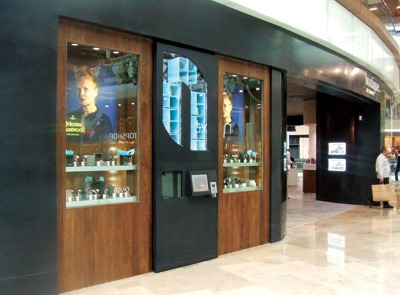 distributore automatico per la vendita di orologi e gioielli automated space_goldsmith_vending