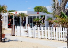 H&M temporary pop up store store Riccione