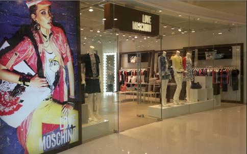 LOVE MOSCHINO opening Cina