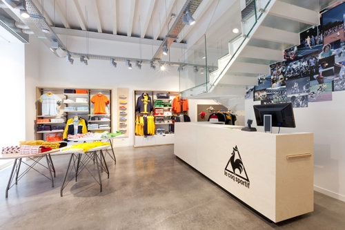 LE COQ SPORTIF flagship store a Milano