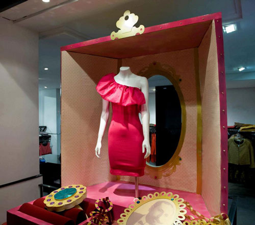 Lola Rúa Marta Gómez vetrine boutique Ararat Madrid