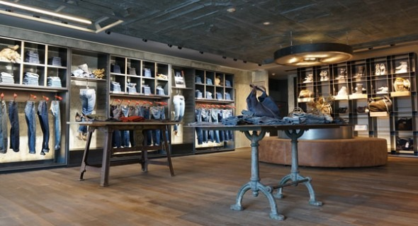 new product ca851 e8ec2 REPLAY apre un flagship store a Tokyo. | AN Shopfitting Magazine