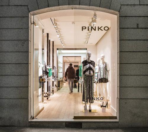 Pinko concept store boutique via montenapoleone