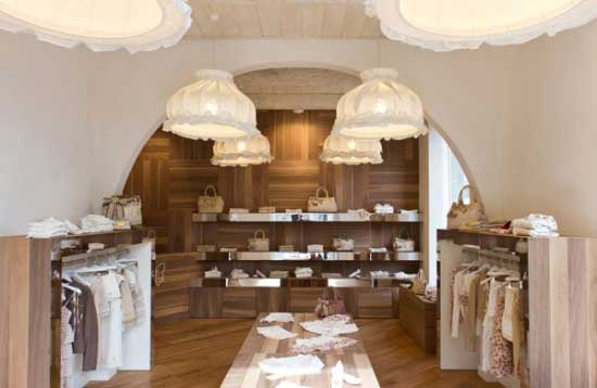 Nuova boutique fixdesign a bari an shopfitting magazine for Negozi arredamento design milano