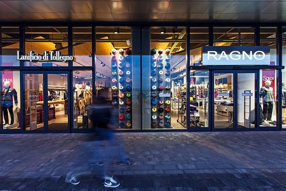 AN_shopfittingmagazine_XT_RETAIL_121-Lanificio-di-Tollegno-e-Ragno