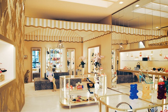 AN_shopfittingmagazine_Intrapresa_Charlotte-Olympia_Miami