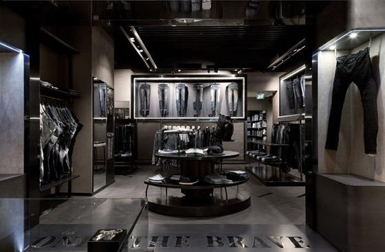 Diesel a roma il 21 flagship store italiano an for Arredamento tedesco