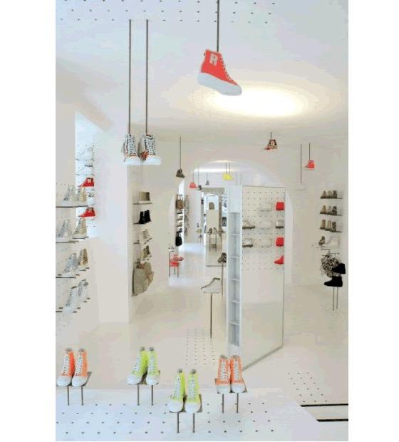 L'architetto Jean Nouvel ha realizzato il progetto per il nuovo store Ruco Line