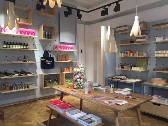 Lumsden-design-Whitworth-Art-Gallery-Manchester-AN-retail-design