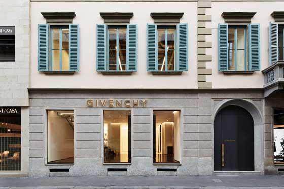 Givenchy-flagship-store-Milano