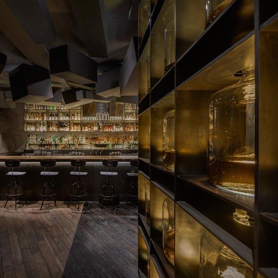 L'architetto italiano Alberto Caiola ha progettato uno speakeasy bar nascosto all'interno di The Press,