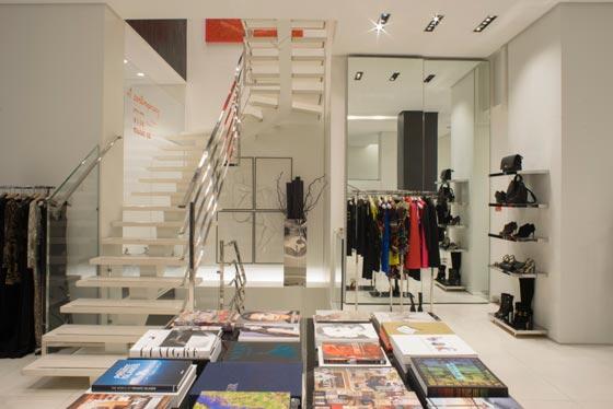 boutique Gio Moretti Milano Arch Fernando-Mosca AN shopftting magazine-retail-design
